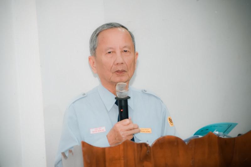 Huynh Trưởng cấp Dũng Thiện Điều Nguyễn Thắng Nhu, Trưởng Ban Hướng Dẫn Phân Ban Gia Đình Phật Tử Trung Ương đọc diễn văn khai mạc hội nghị