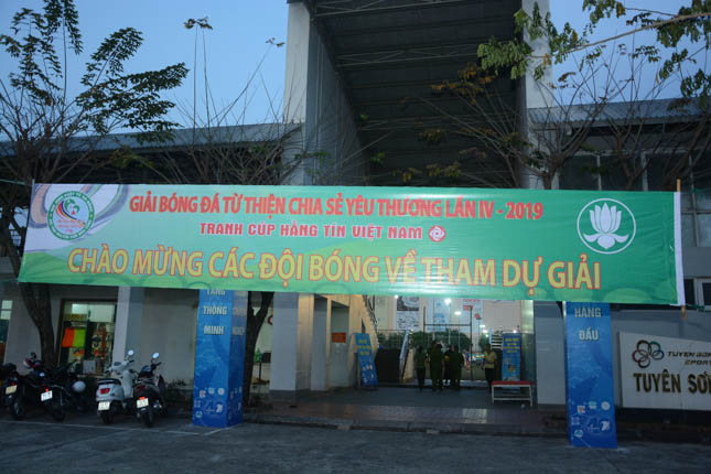 Đội Tình nguyện viên Máu sống GĐPT Đà Nẵng tổ chức Bóng đá từ thiện