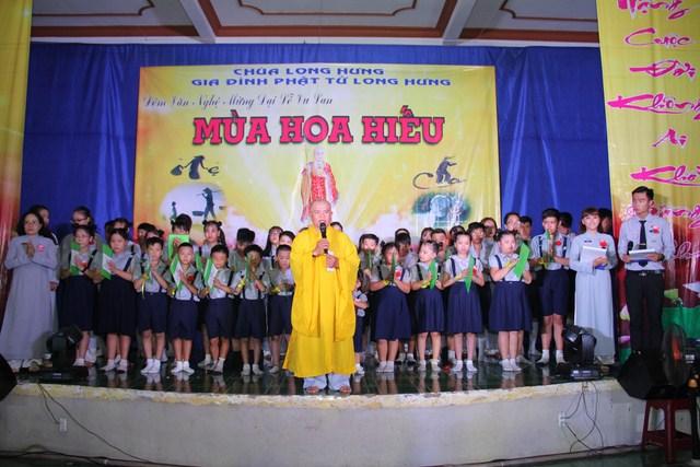 Trường ca MÙA HOA HIẾU và chùm ảnh đêm văn nghệ GĐPT Long Hưng