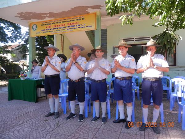 GĐPT QUẢNG NGÃI:  Lễ khai khóa chương trình học trước trại Liên trại huấn luyện Huynh trưởng A Dục 7 – Huyền Trang 4.
